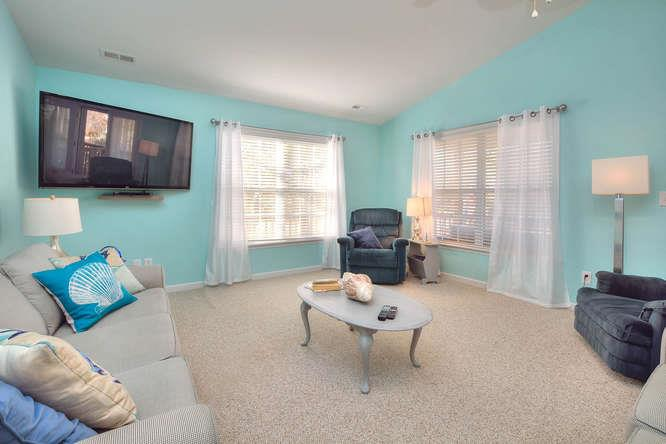 1007 W Yacht Dr Waters Edge-small-008-13-Living Room-666x444-72dpi