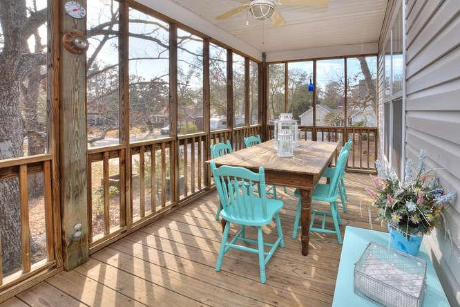 1007 W Yacht Dr Waters Edge-small-026-27-Screened Dining Porch-666x444-72dpi