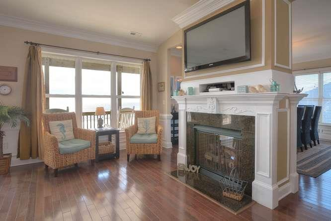 Serenity Sands 5707 W Beach Dr-small-008-88-Living Room-666x444-72dpi