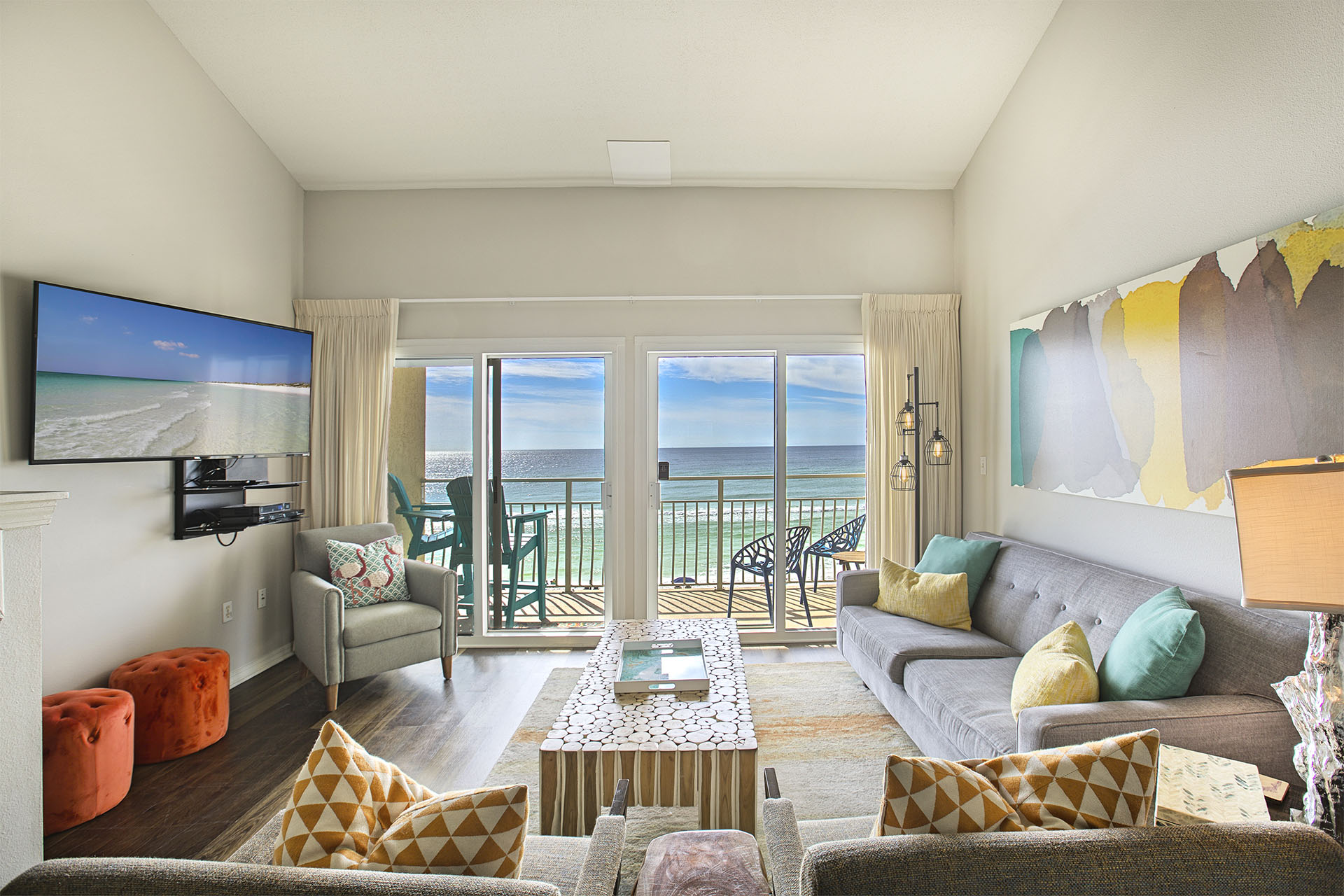 Crystal Sands 308b Destin 2 Bedroom 2 Full Bathroom Beachfront Place To Stay On Vacation 90750 Find Rentals