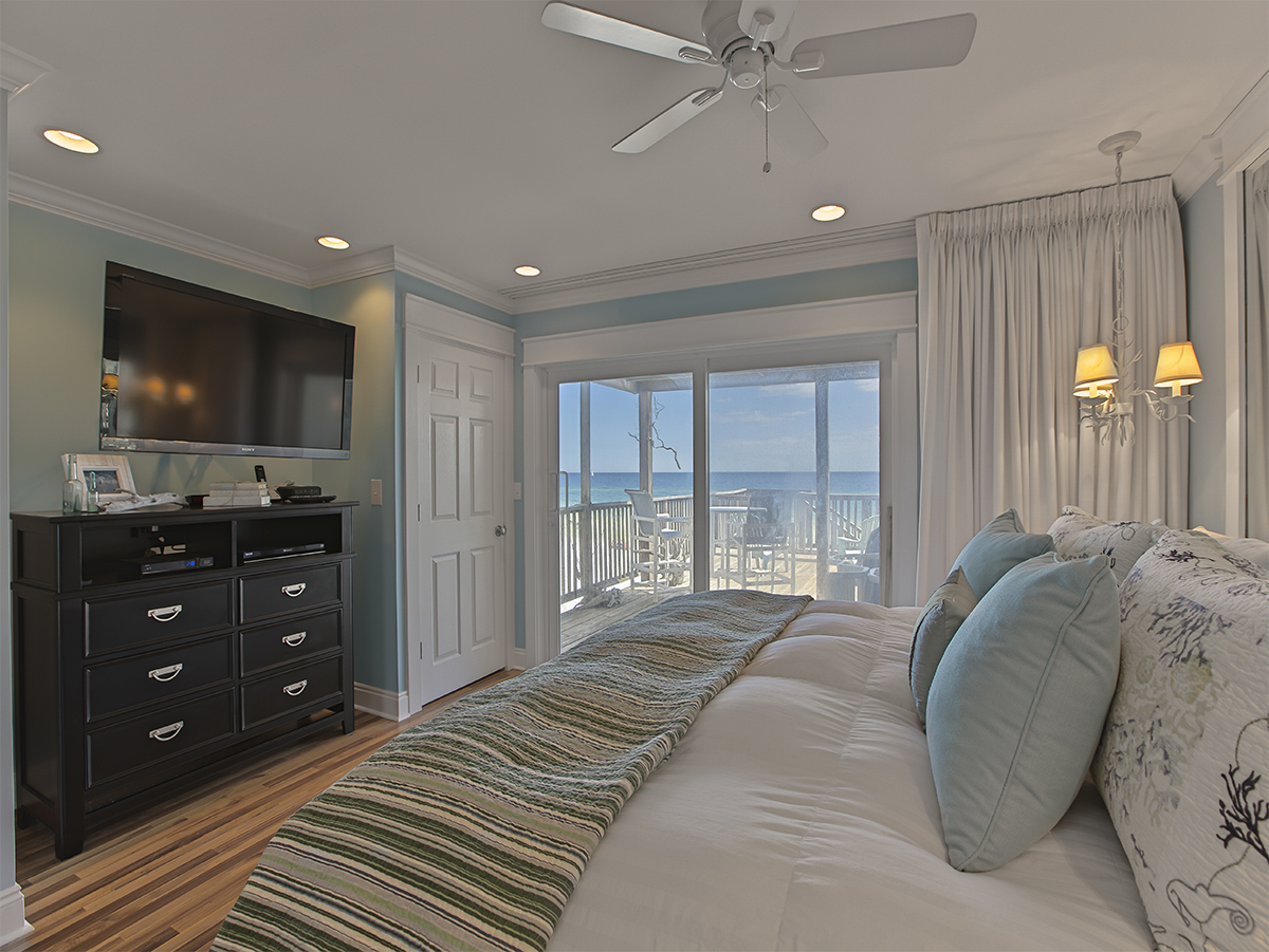 Bedroom with TV - Nice dresser and view of the ocean