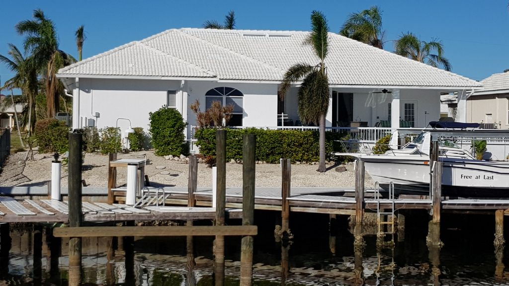 Dock home with Marco Island 3 bedroom home rental