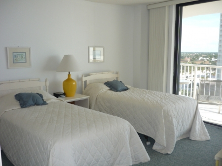 Twin bed on the Guest Room