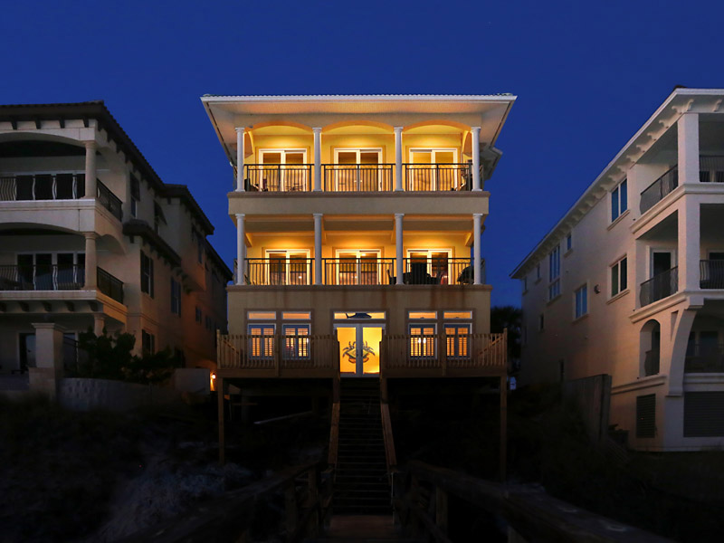 Destin beachfront vacation home with 7 bedrooms and community pool