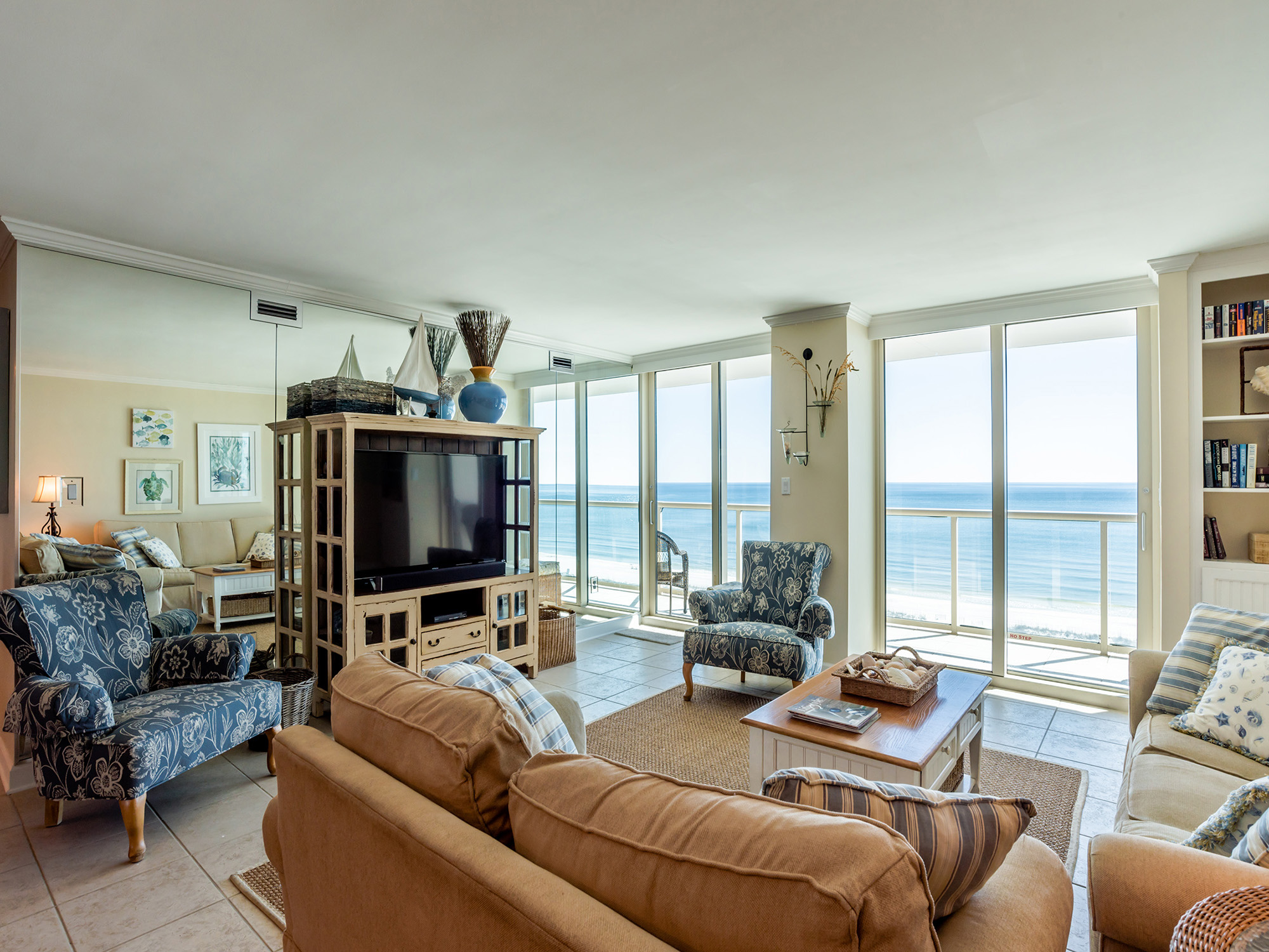 Pensacola Beach beach and bay property with ocean views and boat slip 2 bedrooms sleeps 8