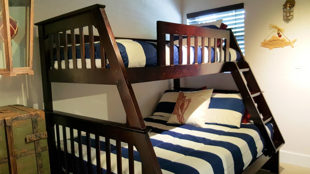 Guest bed bunks