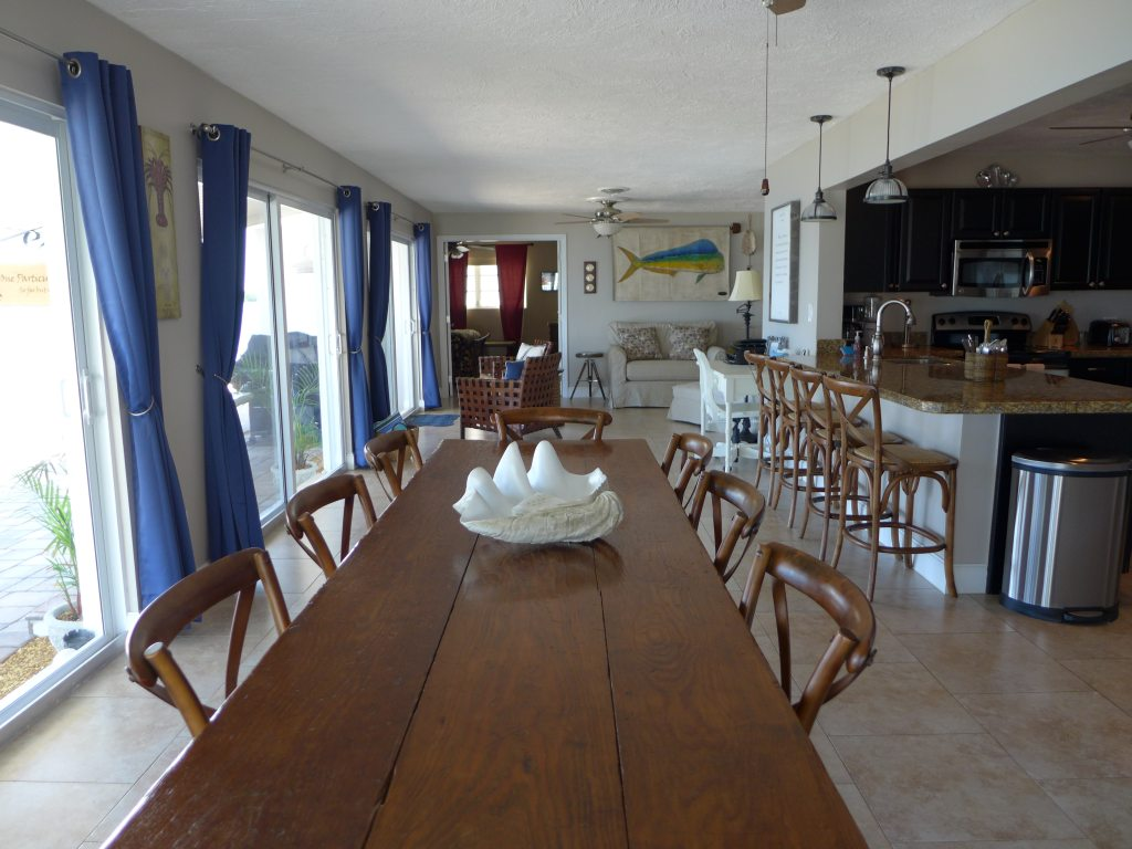 Dining and sitting areas