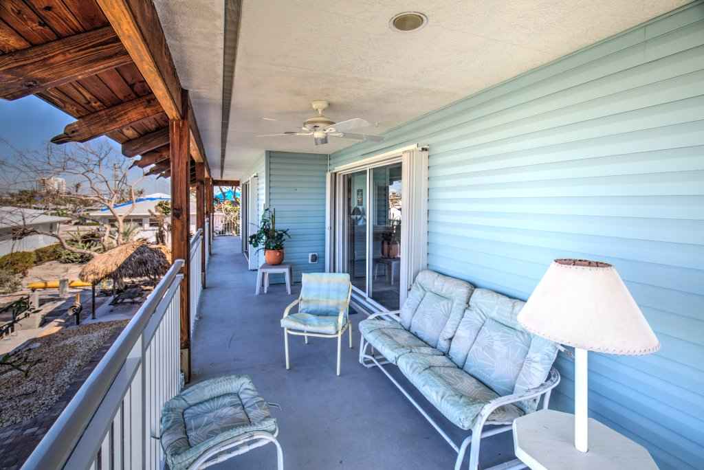Large porch to relax