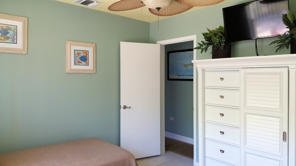 Twin bed tv