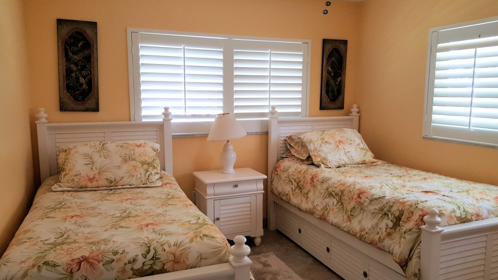 Twin beds 3