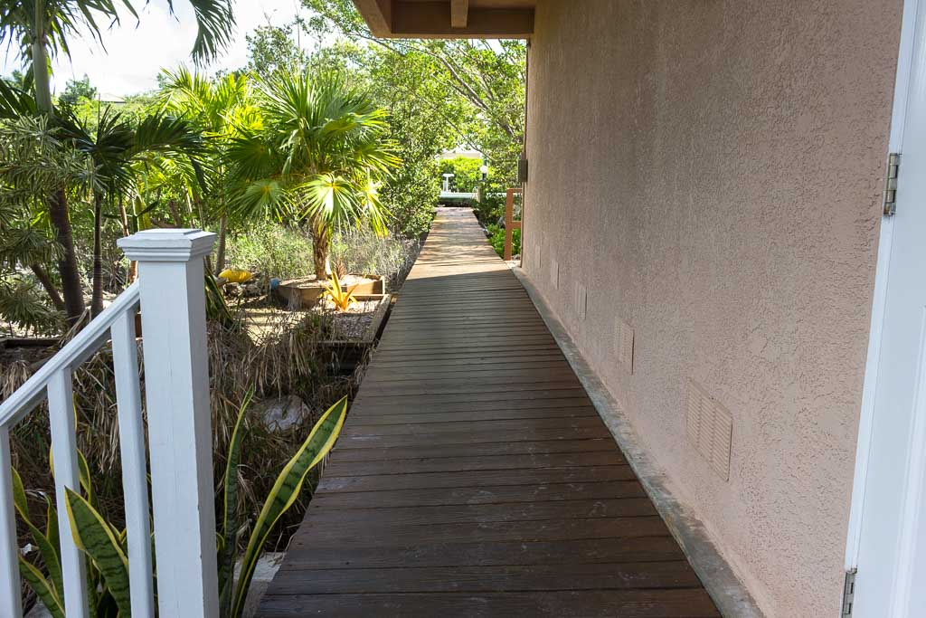 Pathway to dock
