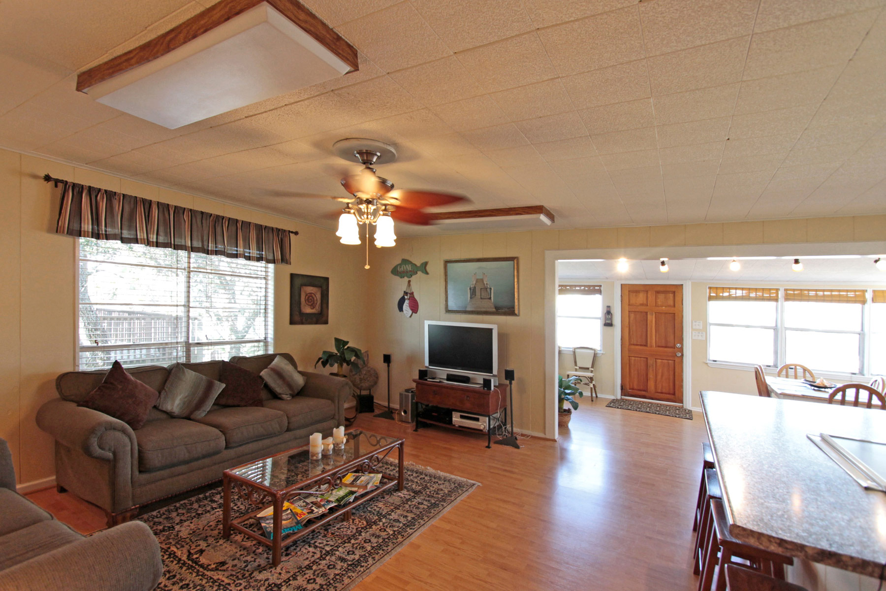 Open living area with lots of space