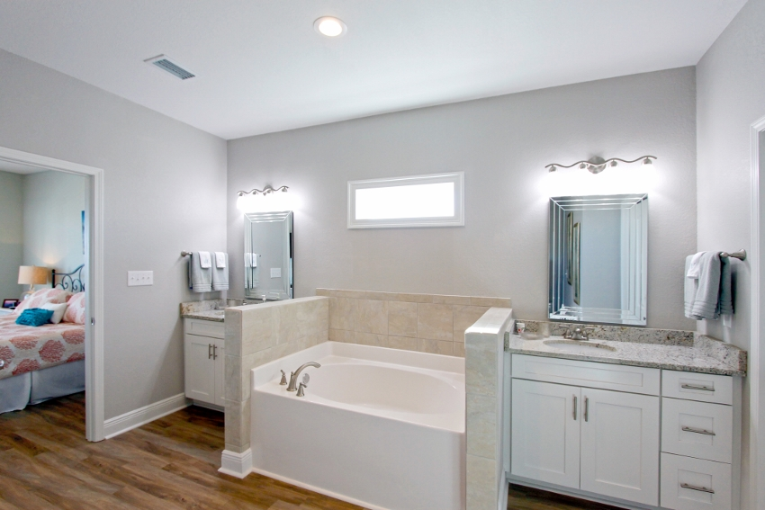 Duel vanities and soaking tub