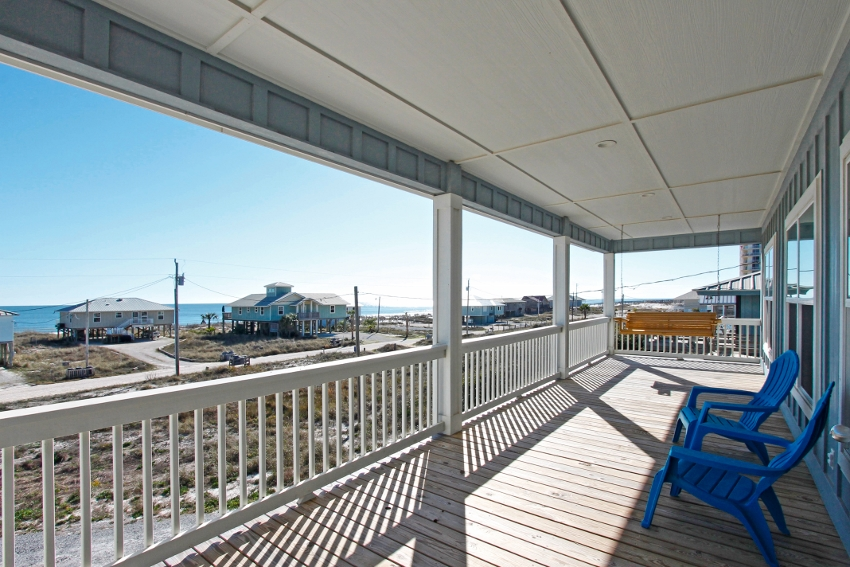 Expansive front balcony