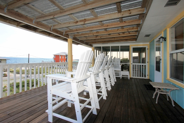 Large covered deck, partially screened in