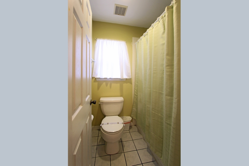 En suite off master with separate water closet