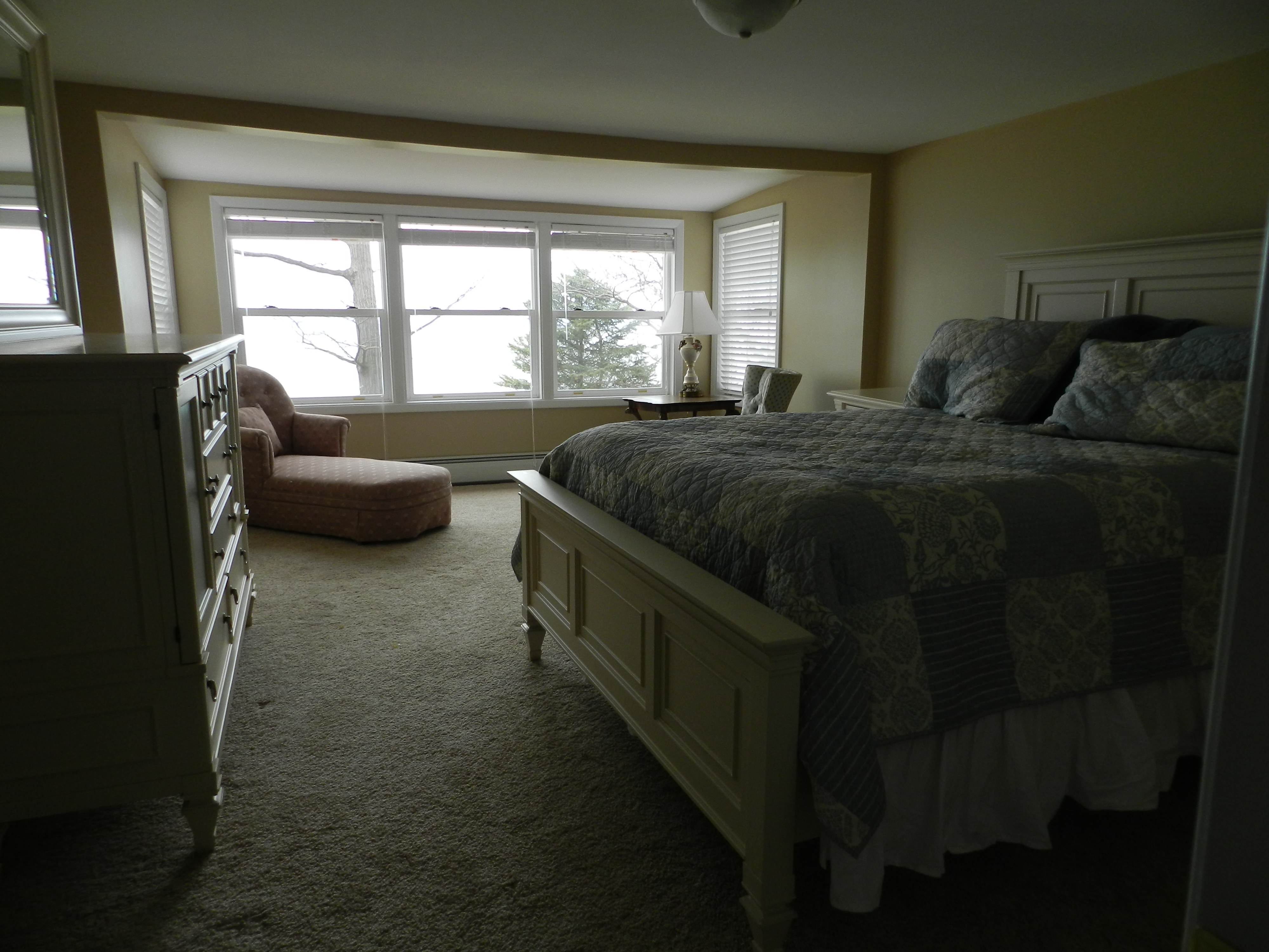 Bedroom # 1 - Master Bedroom with sitting area & Lake View