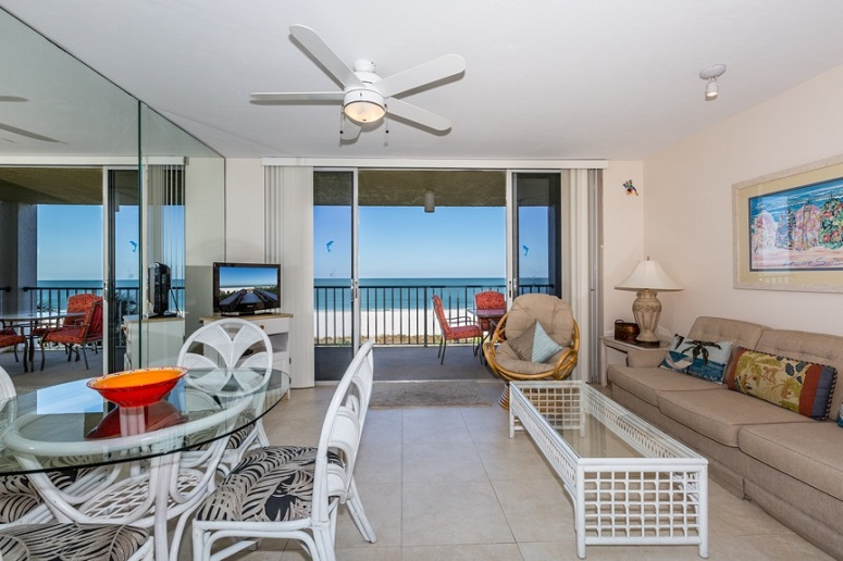Marco Island beachfront vacation rental with 1 bedroom