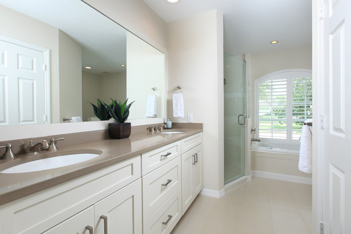 Ensuite Bathroom with Shower and Soaker Tub