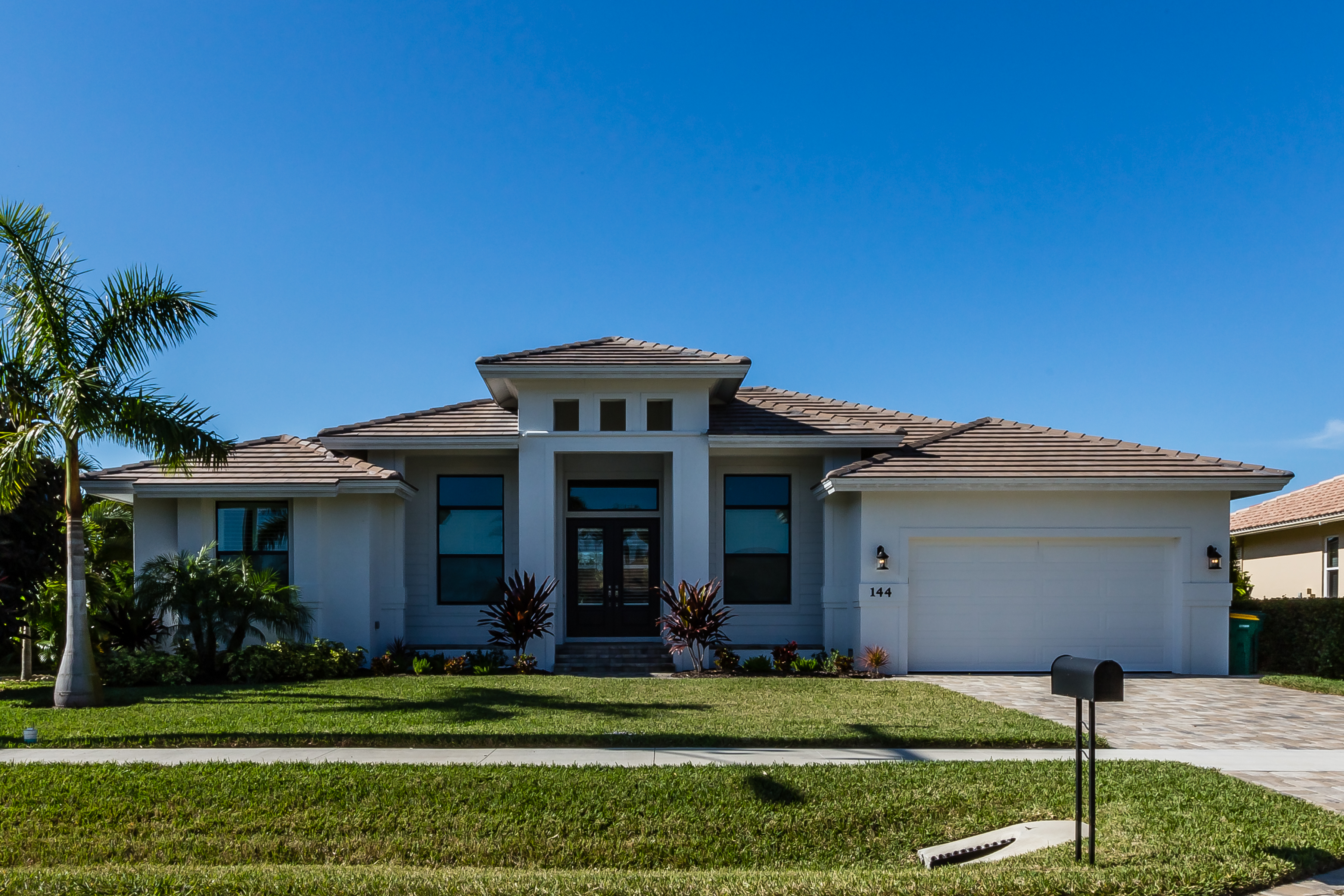 Marco Island house for rent with 3 bedrooms large pool and close to the beach