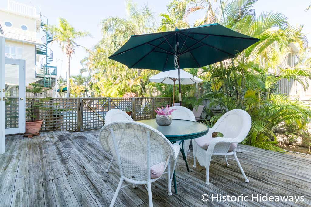 Outdoor Dining - Private Deck