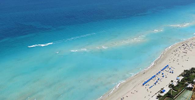 topaz seas place to stay on vacation 4 bedrooms 5 full bathrooms sunny isles beach florida. Black Bedroom Furniture Sets. Home Design Ideas