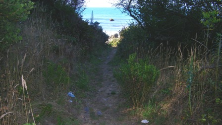 Short final path to broad open beach.