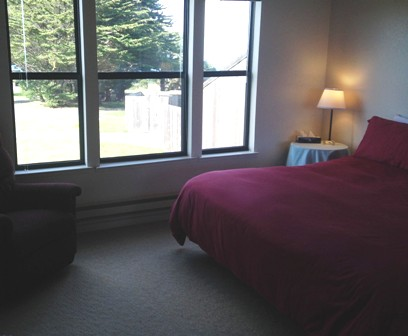 The middle room with a giant king size bed &  ocean views.