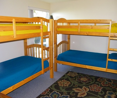 Spacious room for the kids or single sleepers