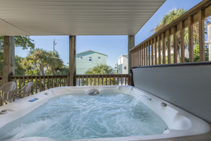 4 bedroom vacation home on Fort Myers Beach with pool & hot tub close to beach
