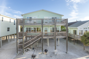 Fort Myers Beach 4 bedroom beachfront vacation home rental with pool