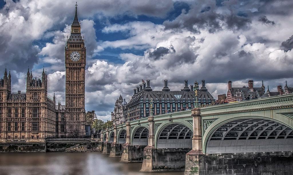 9 Top English Destinations Where Rentals Beat Hotels
